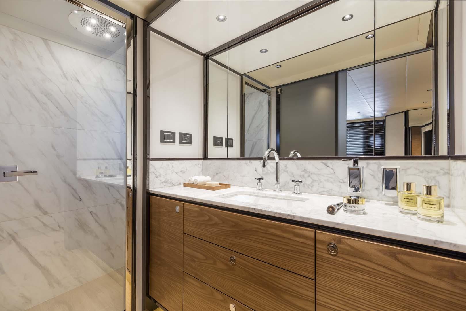 Mirror in bathroom of Navetta 68
