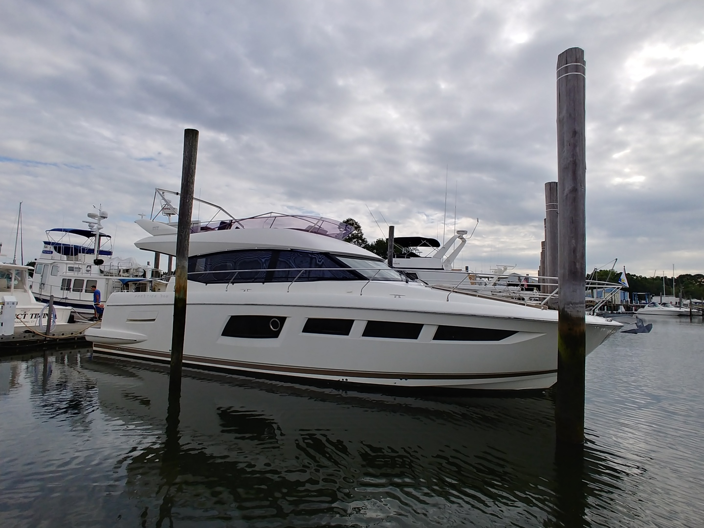 Pre-Owned Prestige Yachts 500 Flybridge For Sale
