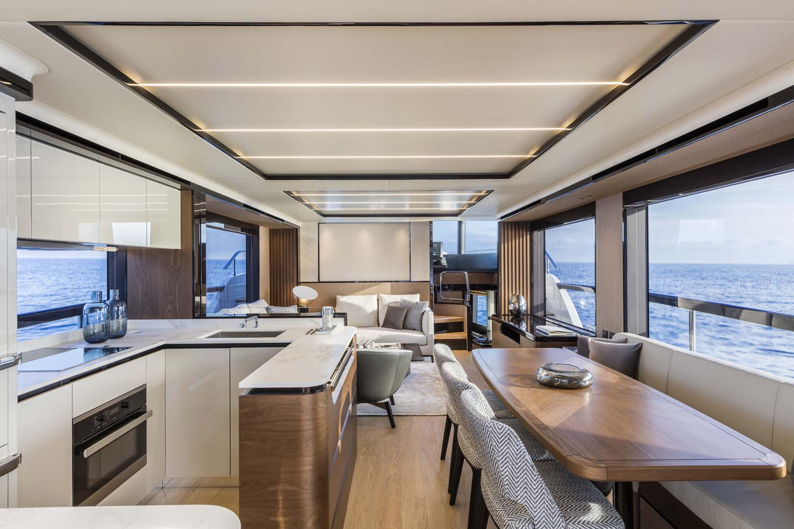 Salon on the absolute navetta 68