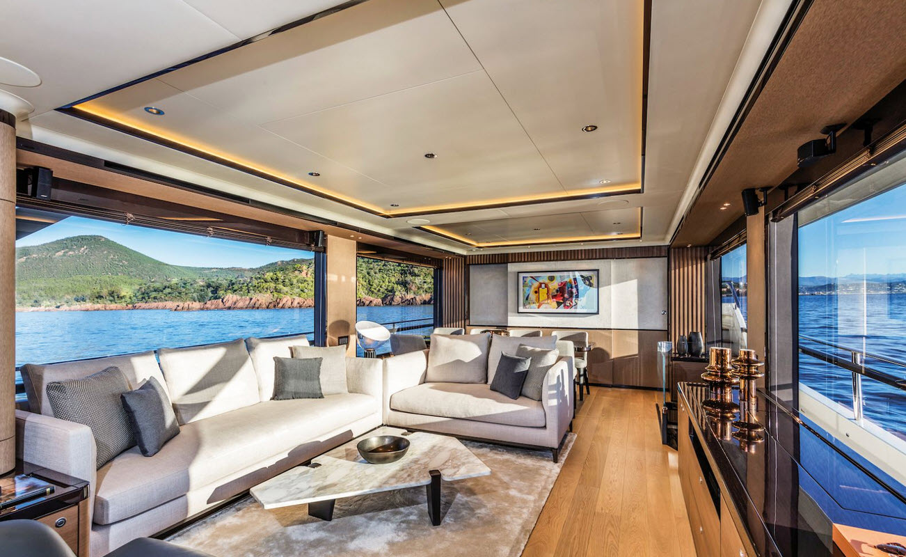 salon and dining area on the absolute 73 navetta