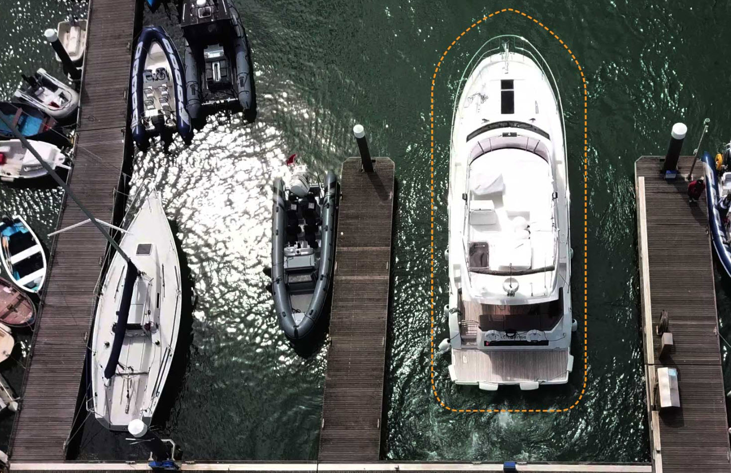 Raymarine Docksense Helps Yacht Docking Problems
