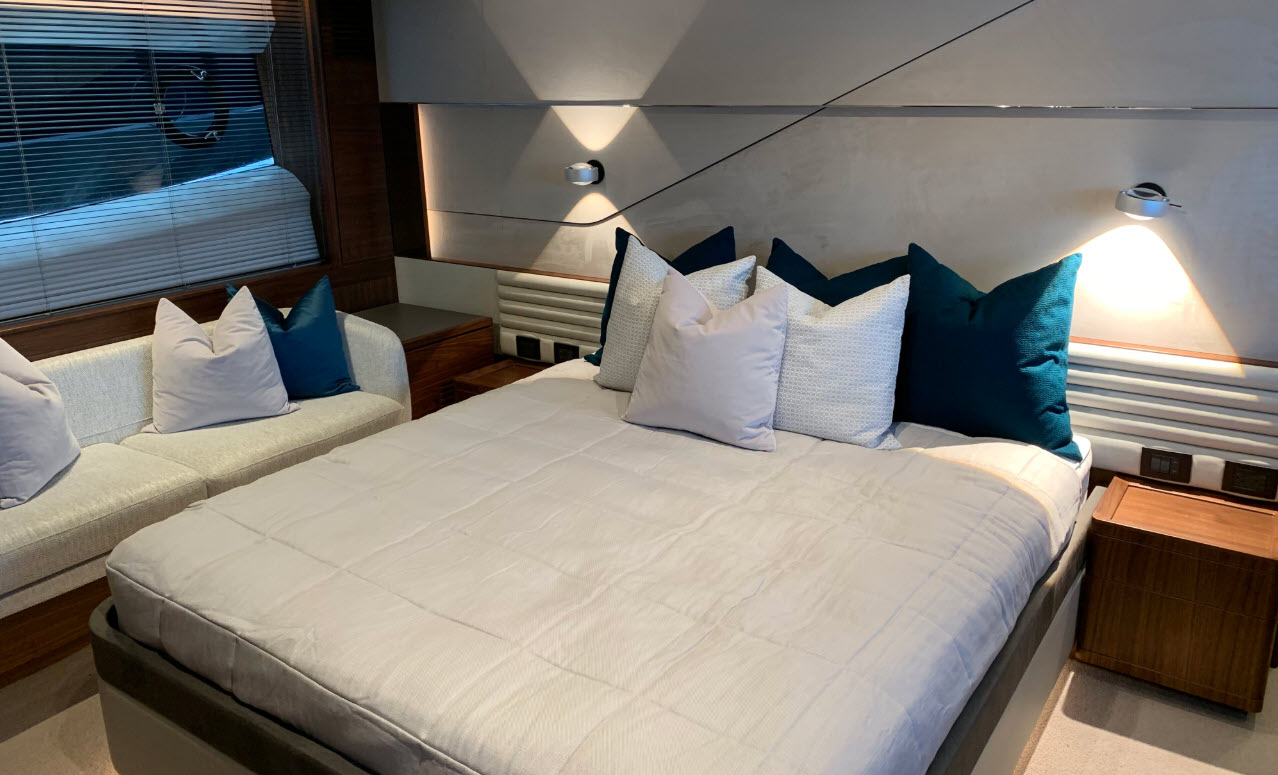 Master bedroom on the Princess V78 yacht for sale