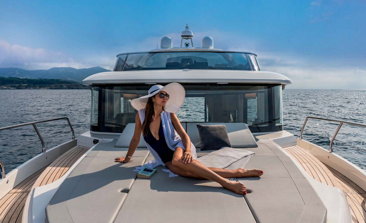 new-flybridge-yachts-miami-boat-show