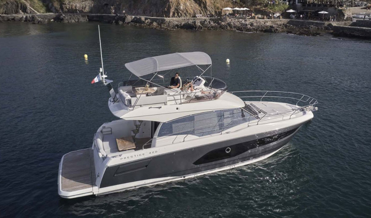 Prestige 420 Flybridge at Fort Lauderdale Boat Show