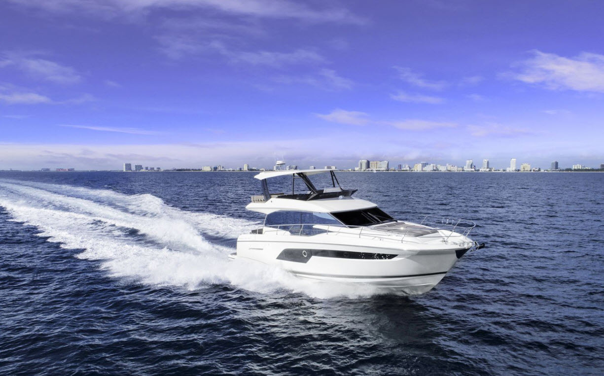 PRestige 520 flybridge yacht for sale