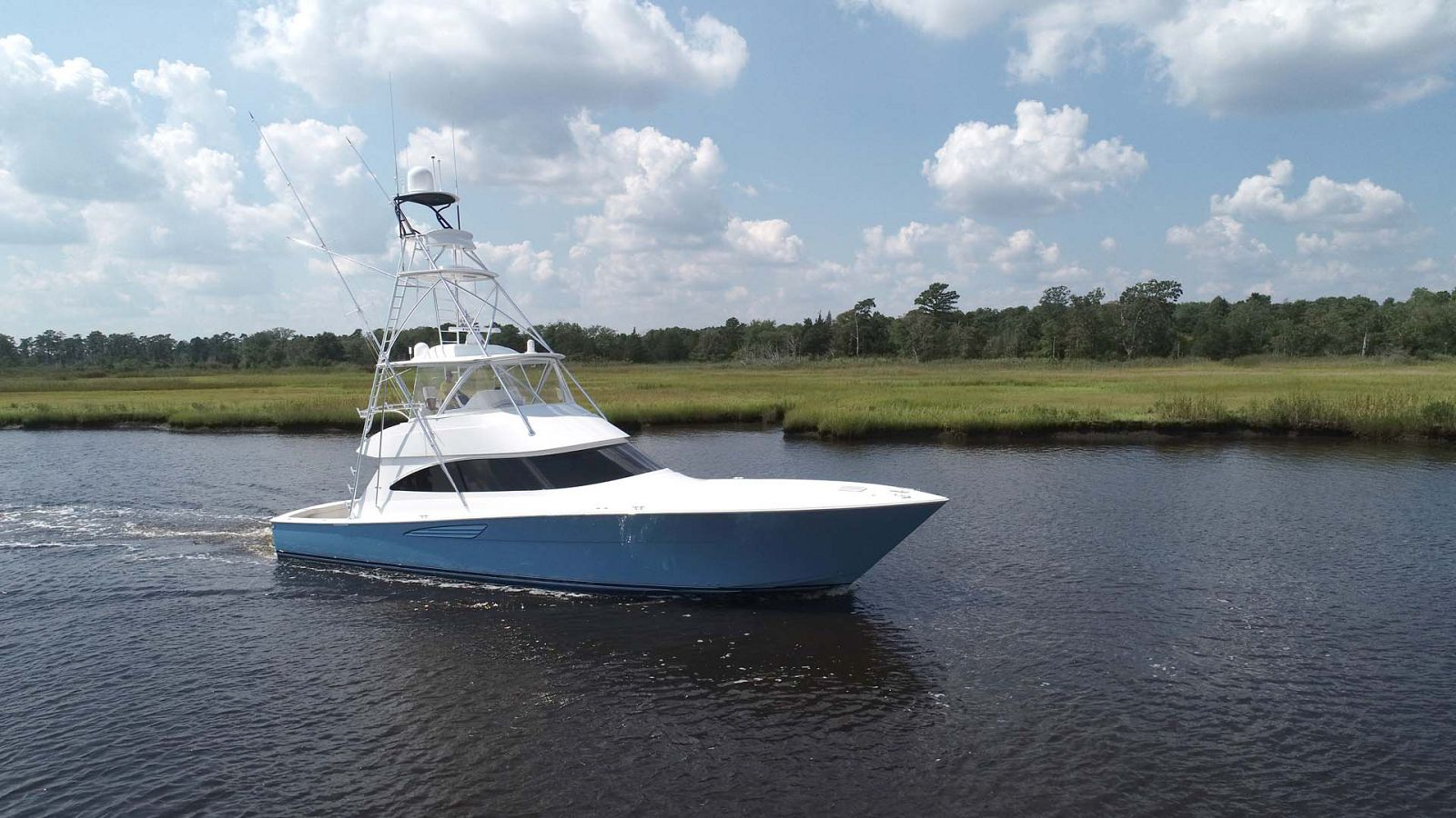 Review Of New Viking Yachts 58 Convertible