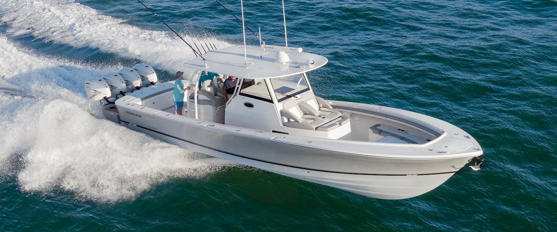 41-regulator-boats-center-console-running-offshore_1500