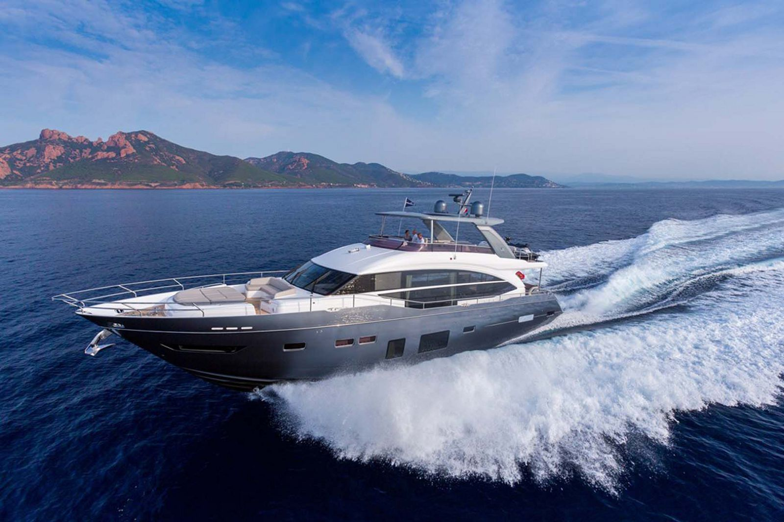 Princess Yachts Y75