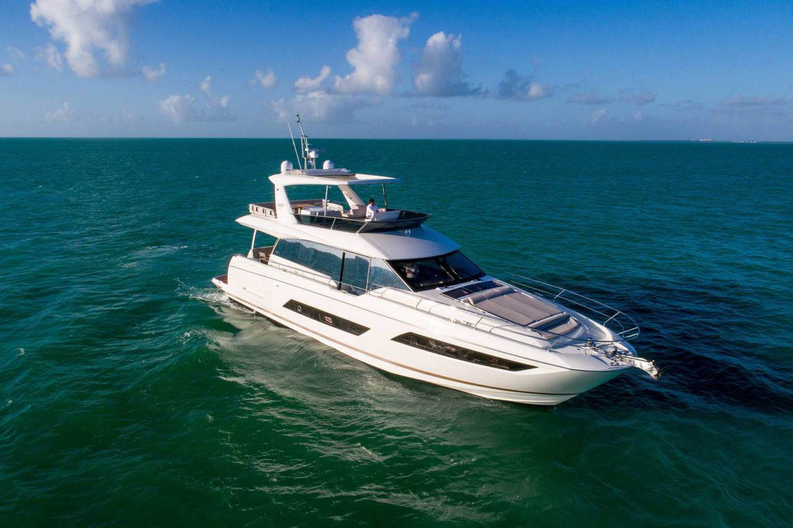 Used Prestige 680 Flybridge yacht for sale