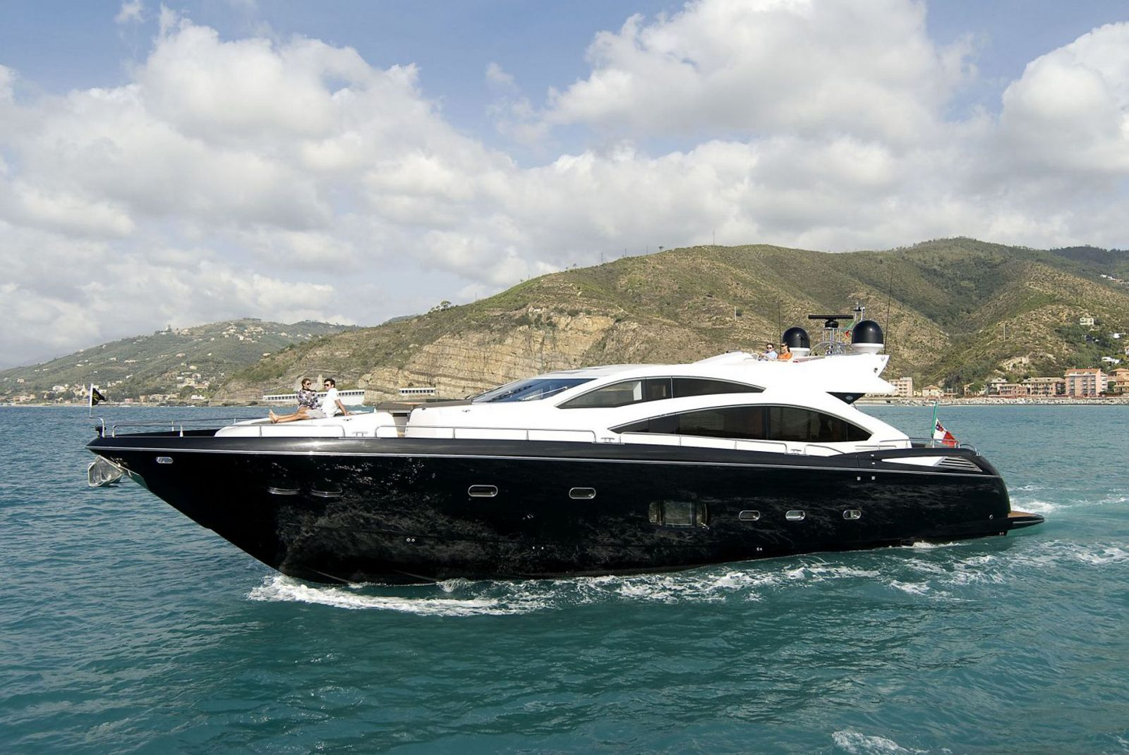 used Sunseeker 84 predator yacht for sale