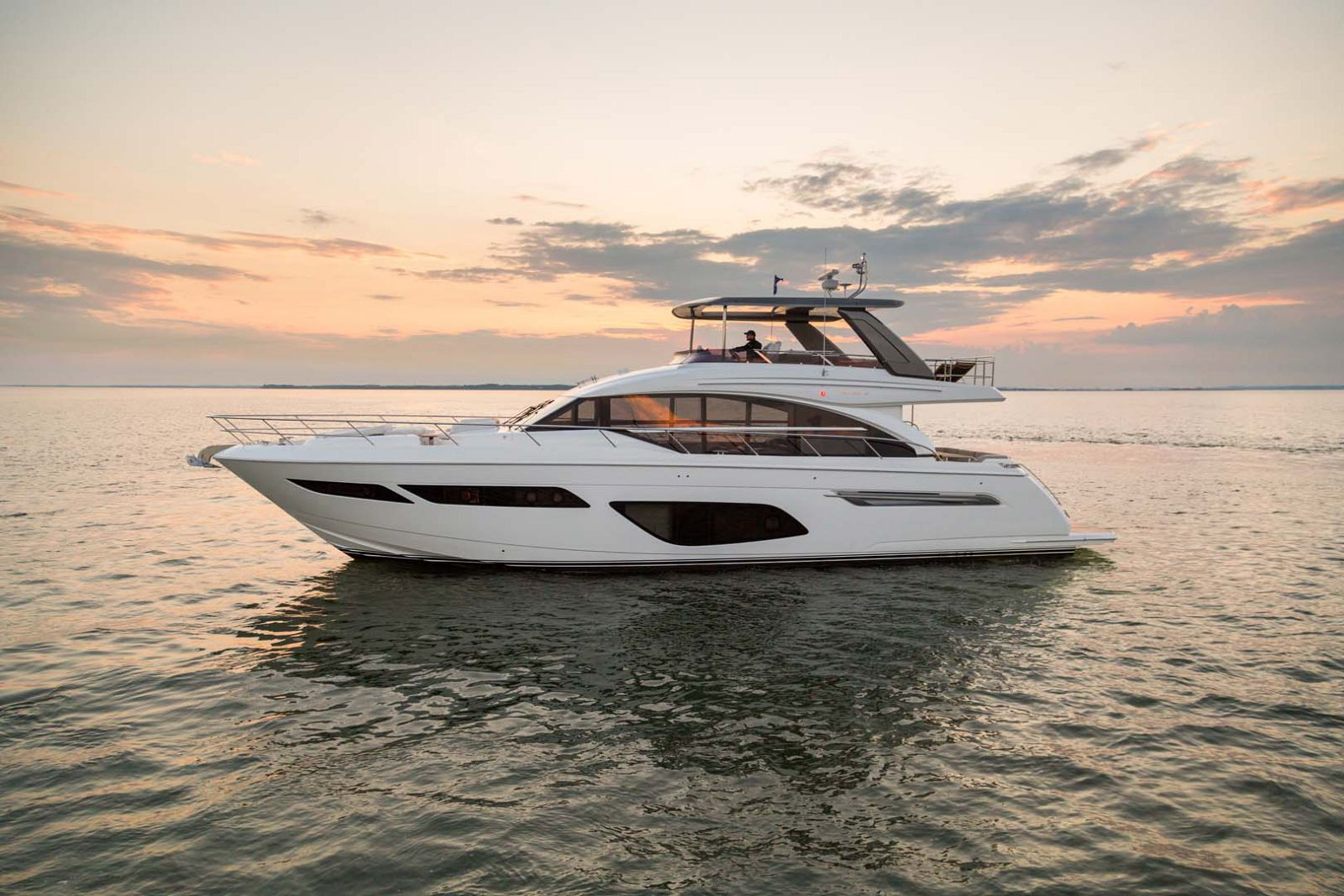 Princess F70 Flybridge Yacht For Sale