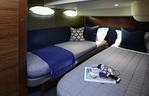 Princess Yachts 43 FLY Electric Sliding Berths