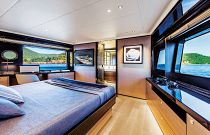 Absolute 73 Navetta Stateroom Aft