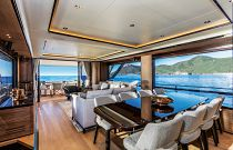 Absolute 73 Navetta Dining Room Area