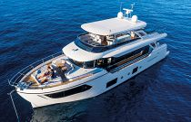 Absolute 73 Navetta Port Idle Image