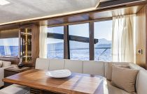 Absolute Yachts 64 Flybridge Dinette Salon