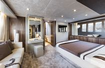 Absolute Yachts 64 Flybridge Stateroom