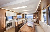 Absolute Yachts 64 Flybridge Salon