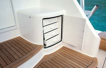 Viking Yachts 68C Tackle Center