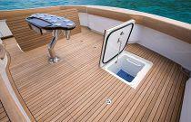 Viking 68C Starboard Live Baitwell