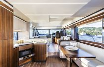 Absolute 58 Flybridge Photo Dinette
