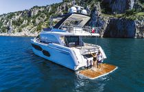 Absolute 58 Flybridge Hydraulic Swim Platform