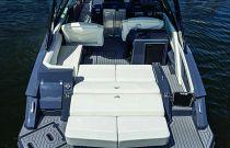 Cruisers Yachts 338 South Beach Edition