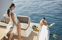 Prestige Yachts 460S Hydraulic Swin Platform