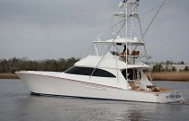 Viking Yachts 62 Convertible Idle