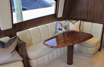 Viking Yachts 62C Salon Dinette