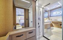 Prestige Yachts 590 Master Stateroom En-Suite Head