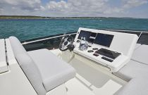 Prestige Yachts 590 Bridge Helm