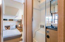 Prestige Yachts En-Suite head