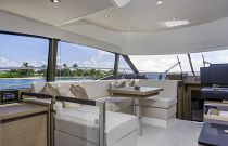 Prestige Yachts 460 FLY U-Shaped Salon Dinette