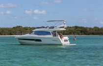 Prestige Yachts 460 Flybridge Portside Idle Image