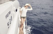 Prestige Yachts 520 FLY Side Decks