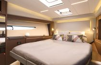 Prestige Yachts 520 FLY Forward Stateroom Slip Bed