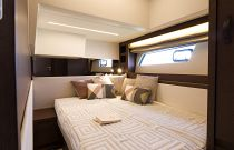 Prestige Yachts 520 FLY Convertible 3rd Stateroom Bed