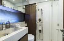 Prestige Yachts 520 FLY Stall Shower
