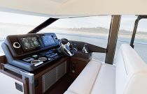 Prestige Yachts 520 FLY Helm Bench