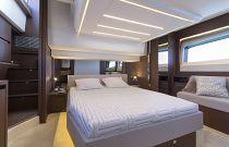 Prestige Yachts 520 FLY Master Stateroom