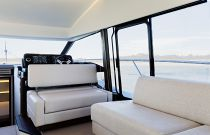 Prestige Yachts 520 FLY Additional Salon Sofa Seating