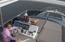 Prestige Yachts 680 Flybridge port single captain chair