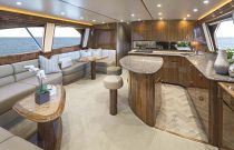 Viking Yachts 62C Salon FWD