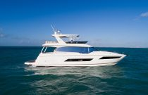 Prestige Yachts 680 FLY Starboard Side Idle