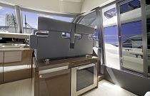 Prestige Yachts 680 FLY Wine Bottle Storage