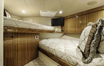 Viking 52 Convertible Split Bunks