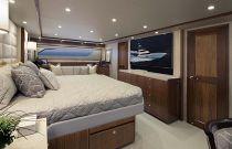 Viking Yachts 92C Master Stateroom
