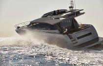 Prestige Yachts 680S Port Running Image