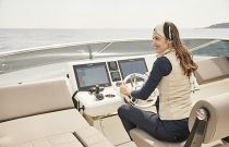 Prestige Yachts 680S Bridge Helm